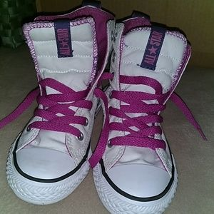 Like new girls size 11 high top Converse